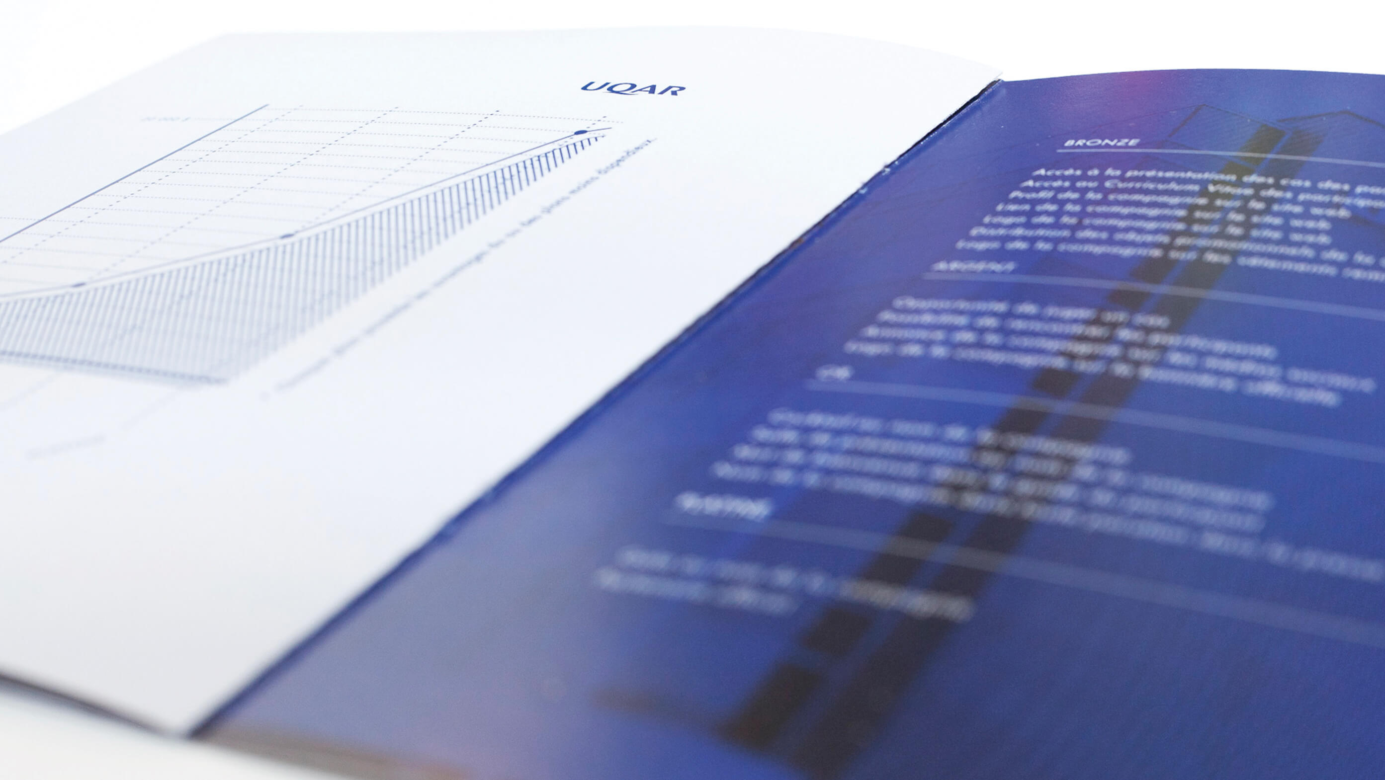 design-graphique-UQAR-Omnium-Financier-graphisme-levis